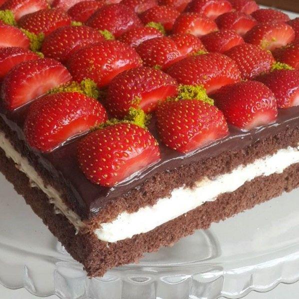 Yenipazar Usulü Tatlı Çilekli Çikolatali Pasta Tarifi