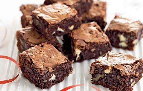 Sarıçam Usulü Tatlı Cevizli Brownie Tarifi