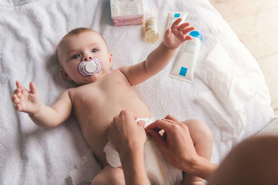 Miniklerimiz Artık Hiç Mutsuz Olmayacak Bebeklerde Hıçkırık Nasıl Geçer