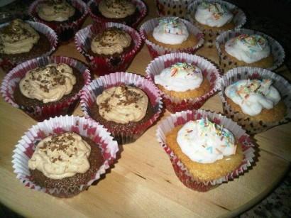 Feke Usulü Tatlı  Vanilyalı Ve Kahveli Cupcake Tarifi